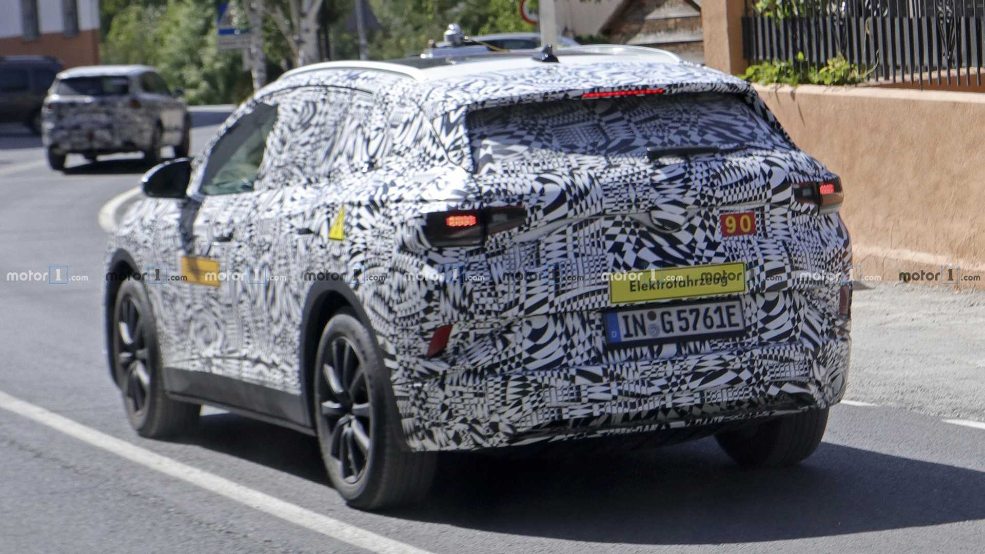 2020 - [Volkswagen] ID.4X Vw-i-d-crozz-spy-photo