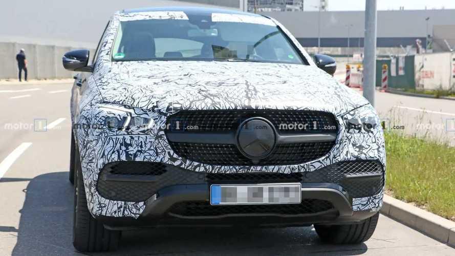 2020 Mercedes-Benz GLE Coupe Bol Kamuflajlı Casus Fotoğrafları
