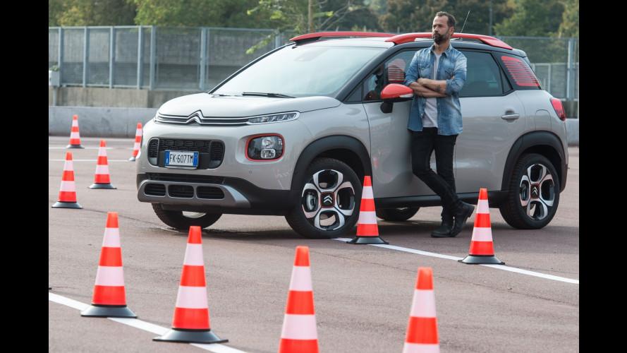 A scuola guida con Fabio Volo e la Citroen C3 Aircross
