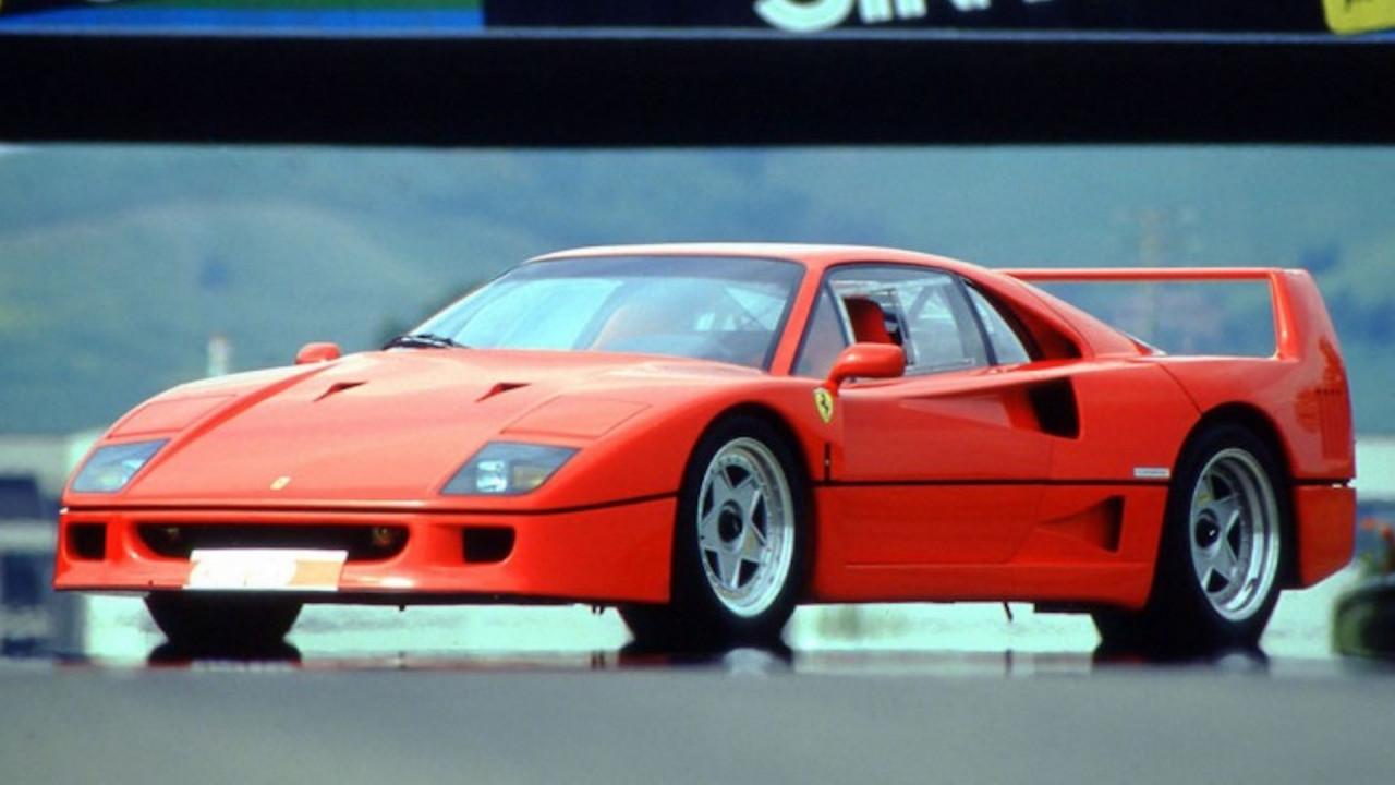 [Copertina] - Ferrari F40, è subito leggenda