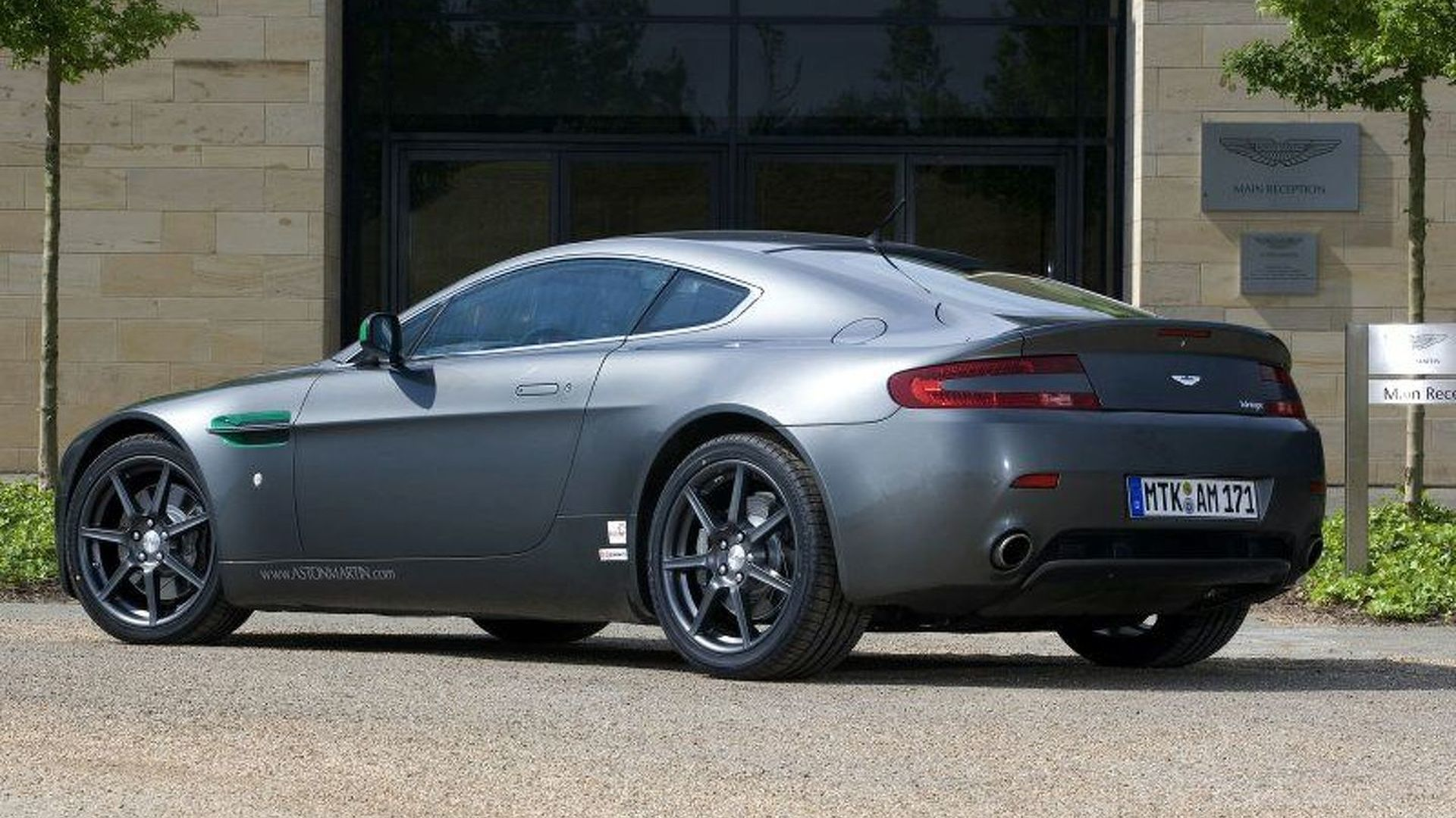 Aston Martin V8 Vantage 30000 Miles In 30 Days Motor1 Com Photos