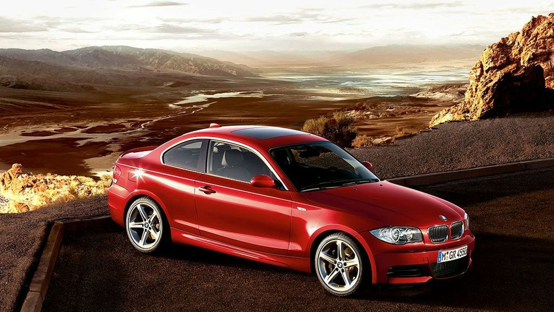 Front Wheel Drive Cars >> 80 Percent Of Bmw 1 Series Drivers Think The Car Is A Front