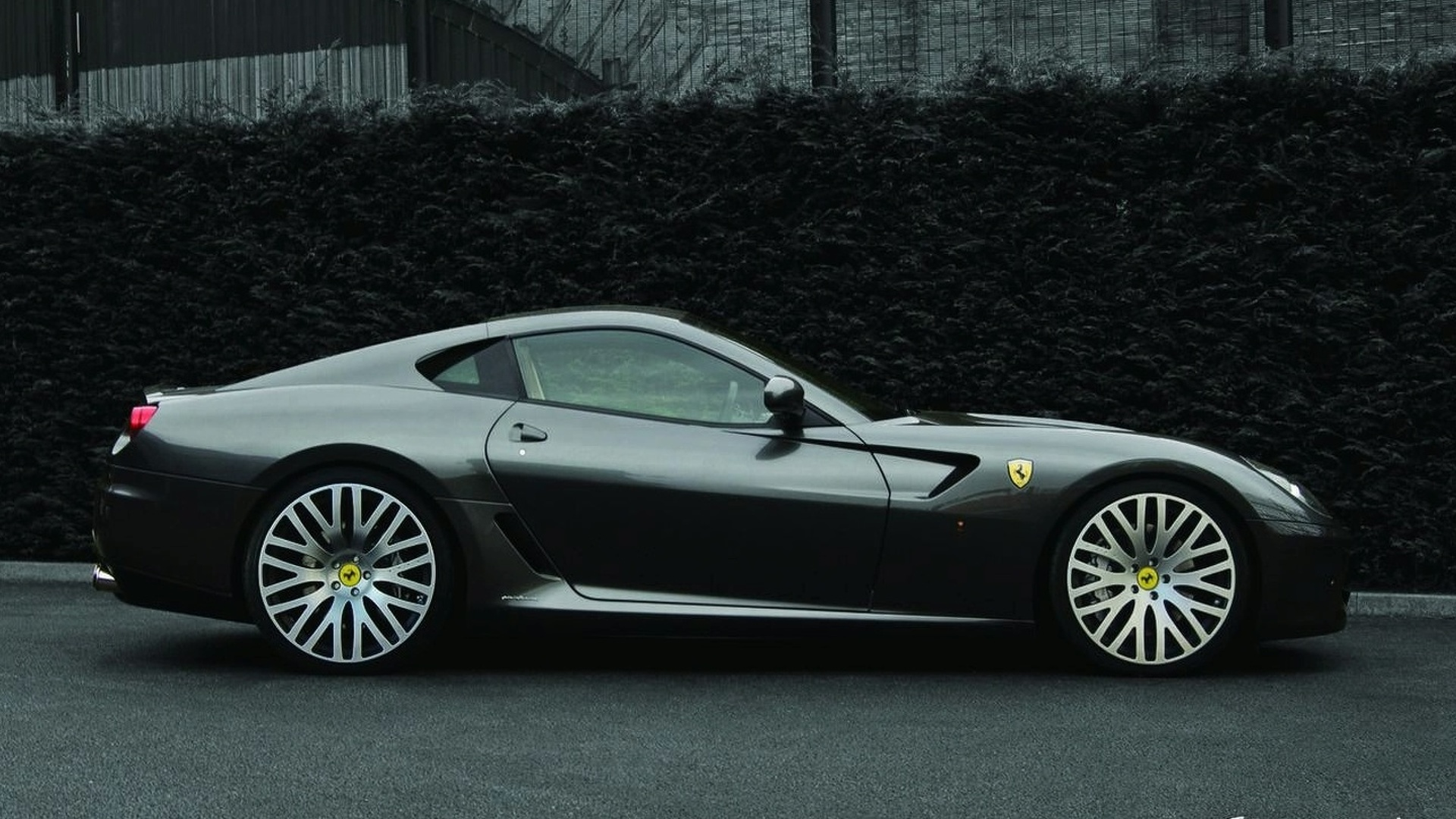 Ferrari 599 Gtb With Kahn Design F1 X Carbon Wheels 297319