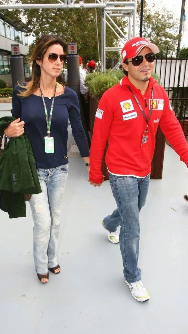Felipe Massa (BRA) with his wife Rafaela Bassi (BRA), Australian Grand Prix, Melbourne, Australia, 27.03.2009