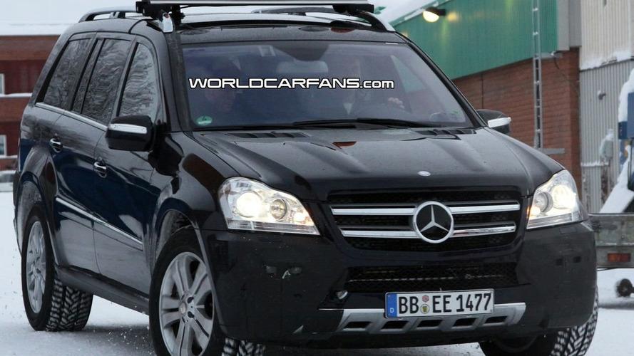 Mercedes GL-Class facelift latest spy shots