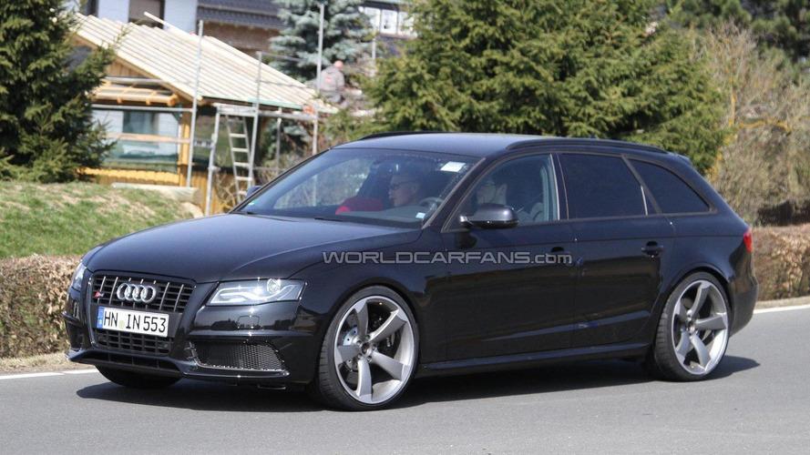 Audi RS4 Avant mule spied