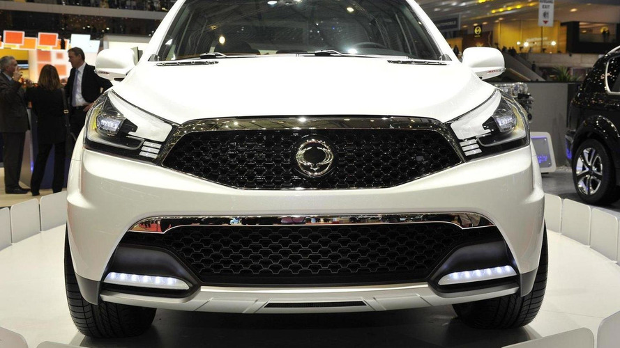 SsangYong SUT 1 Concept picks it up in Geneva