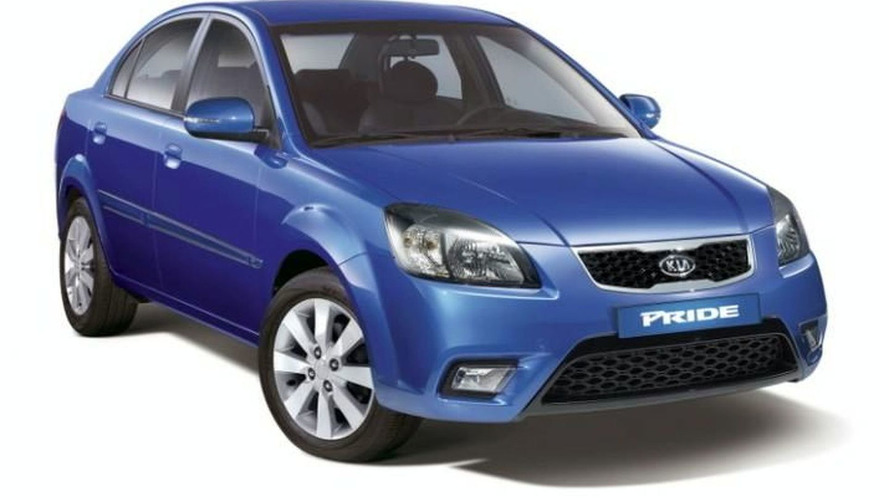 2010 Kia Rio facelift first photos