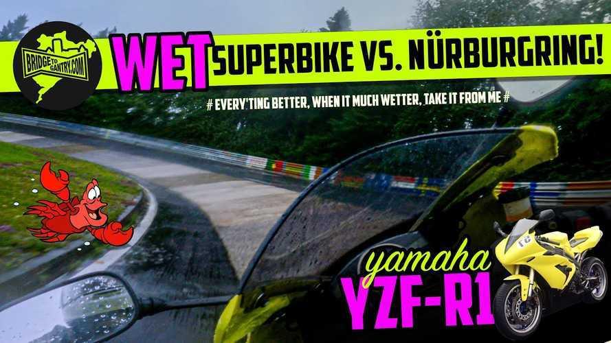 Pria Ini Sukses Taklukkan Trek Basah Nurburgring dengan Yamaha R1