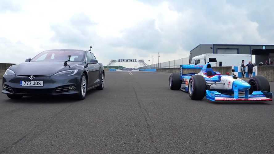 UK: Tesla Model S drag races V10 F1 car because why not