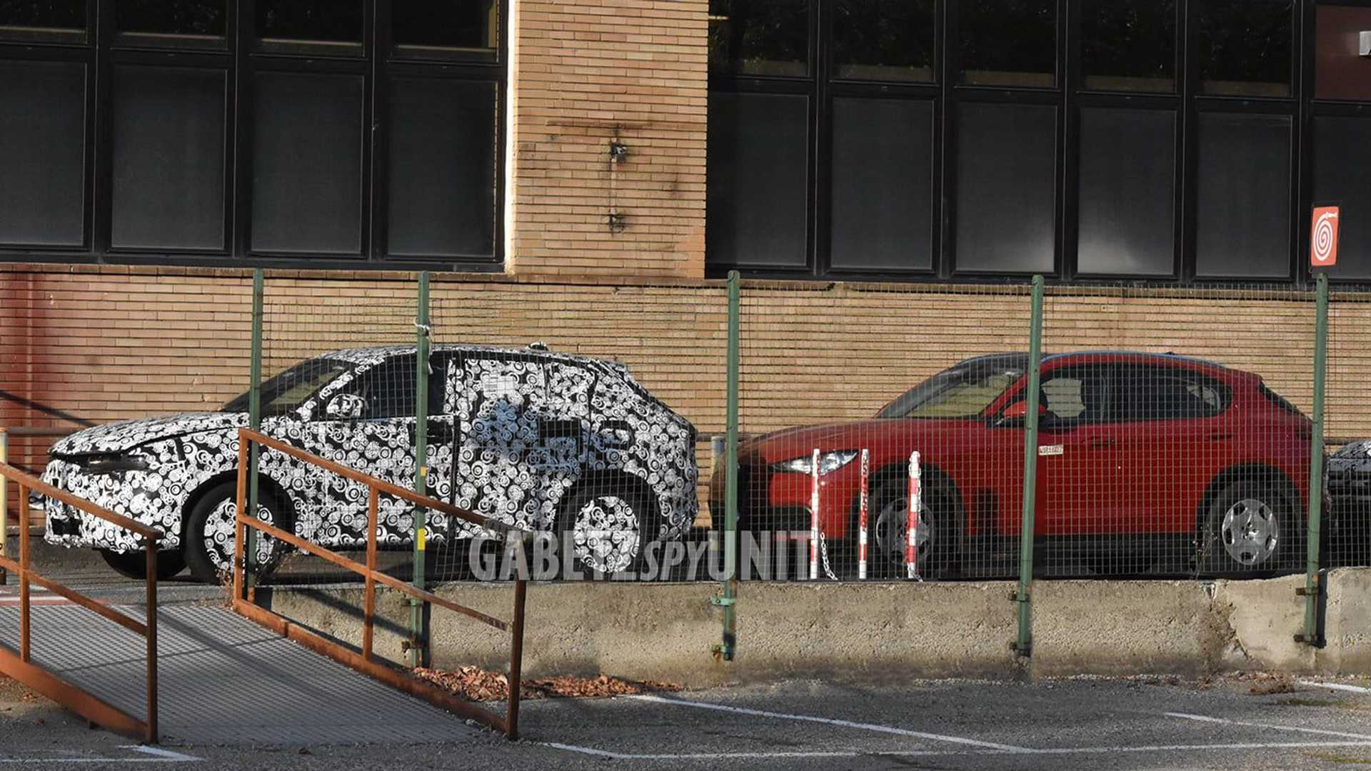 2022 Alfa Romeo Tonale spy photo