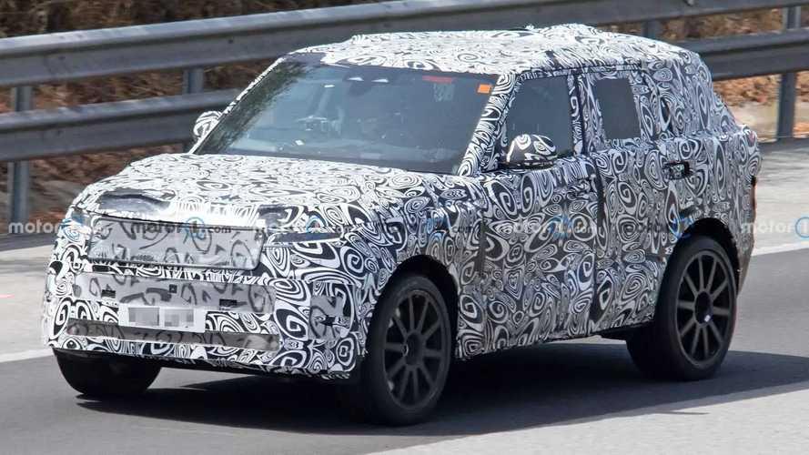 Nuova Range Rover Sport, le foto spia della SVR da 600 CV