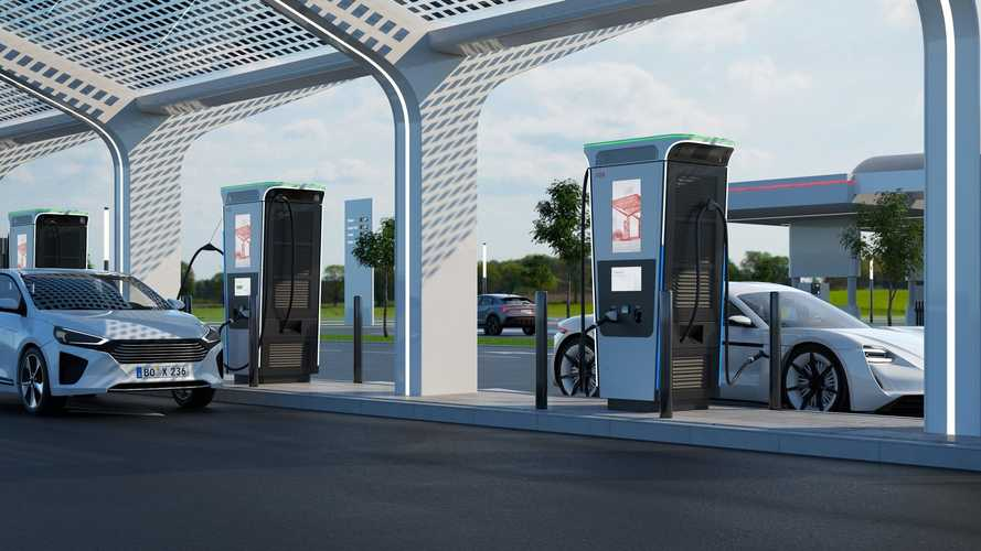 A legújabb elektromosautó-töltővel 15 perc alatt teljesen feltölthetjük autónkat