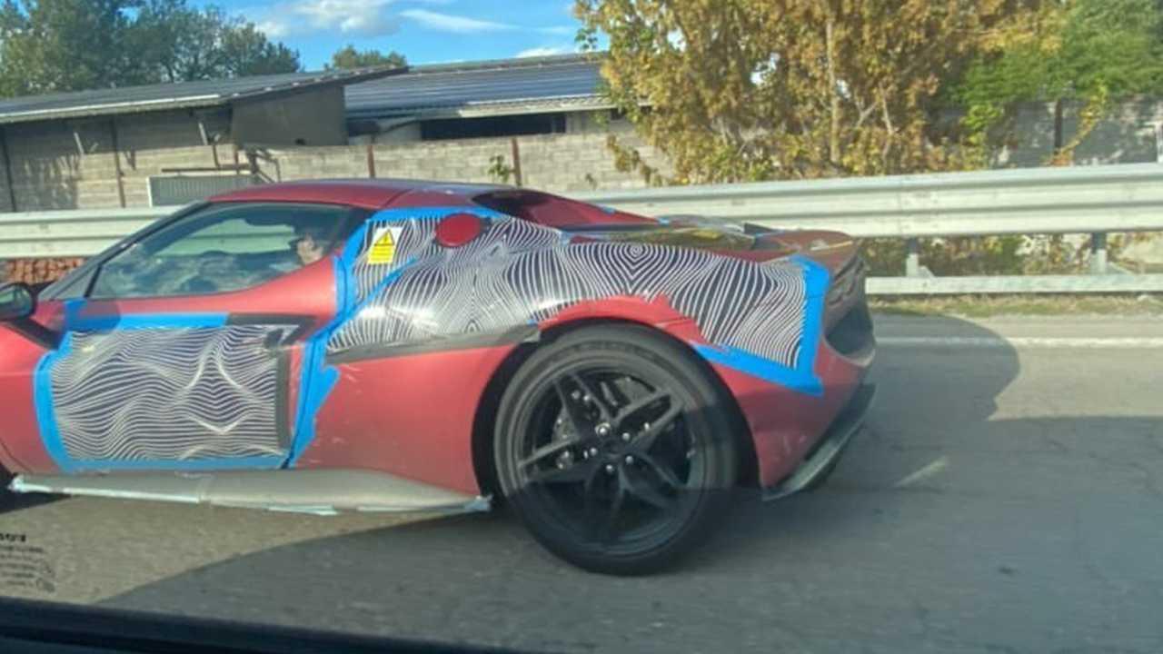 Ferrari 296 GTS, fotos espía