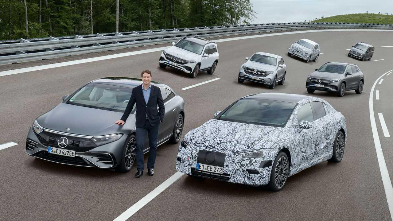 A Mercedes-Benz vezérigazgatója, Olla Kallenius és az EQ EVS családja