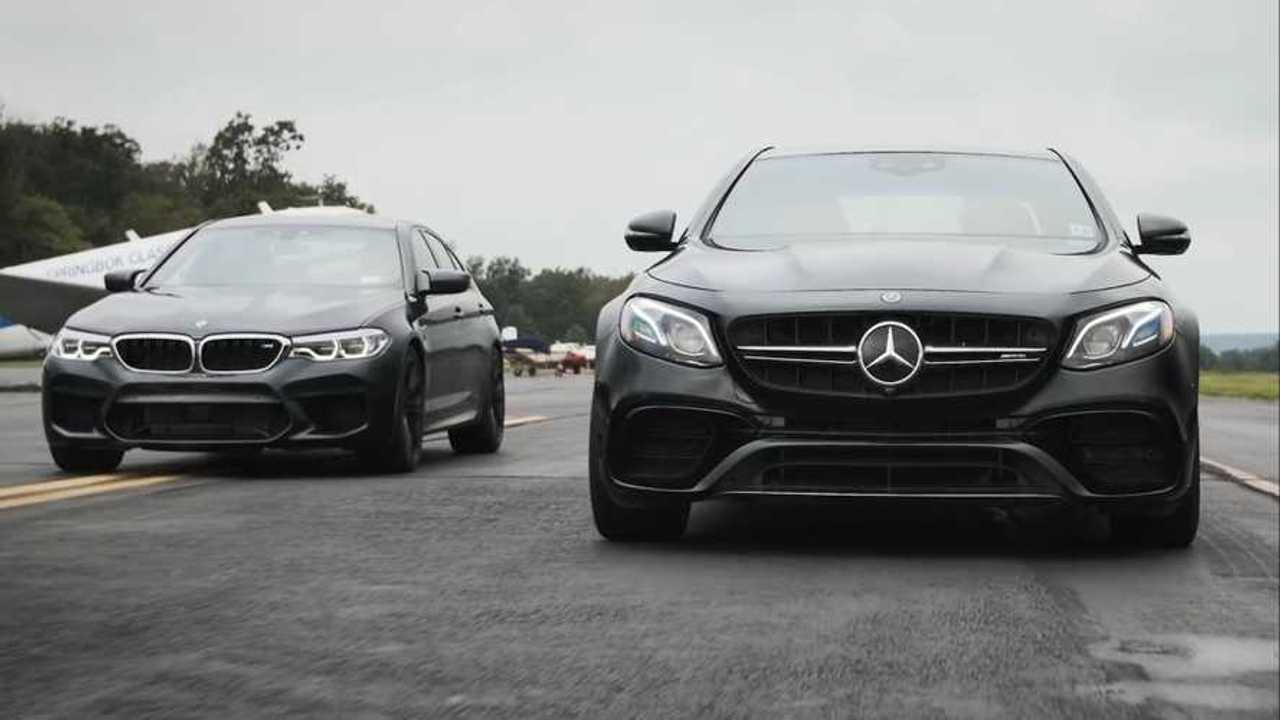 2018 BMW M5 ve 2018 Mercedes E63 drag yarışında.