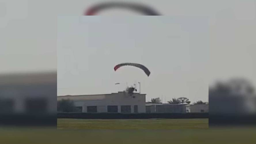 SkyRunner Flying Car Crashes Into Building After Takeoff