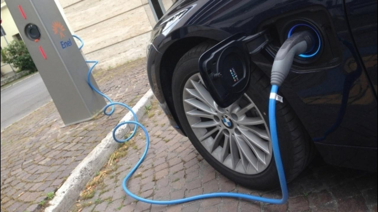 [Copertina] - Auto aziendale, aumenta la domanda di ibride ed elettriche