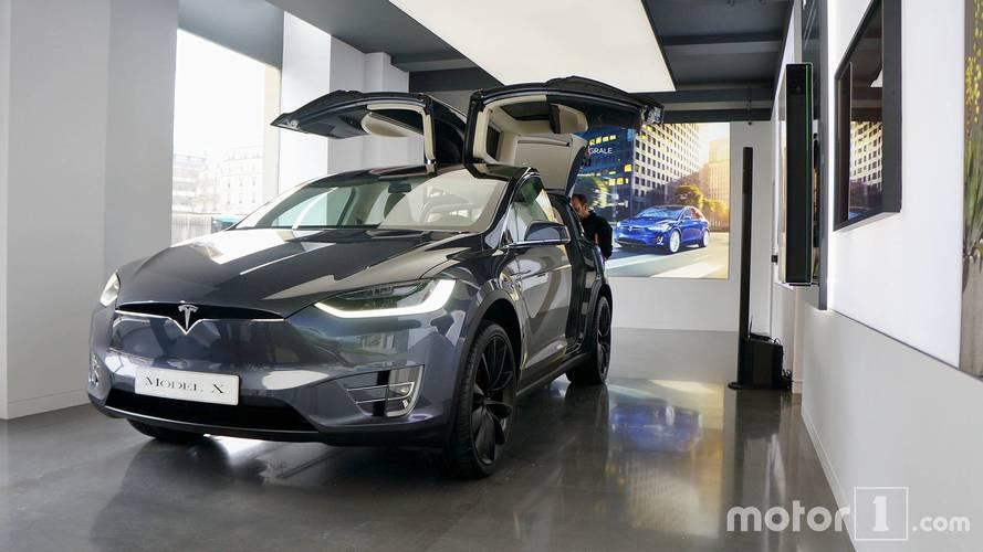 Kigyulladt és kettészakadt egy Tesla Model X az Egyesült Államokban