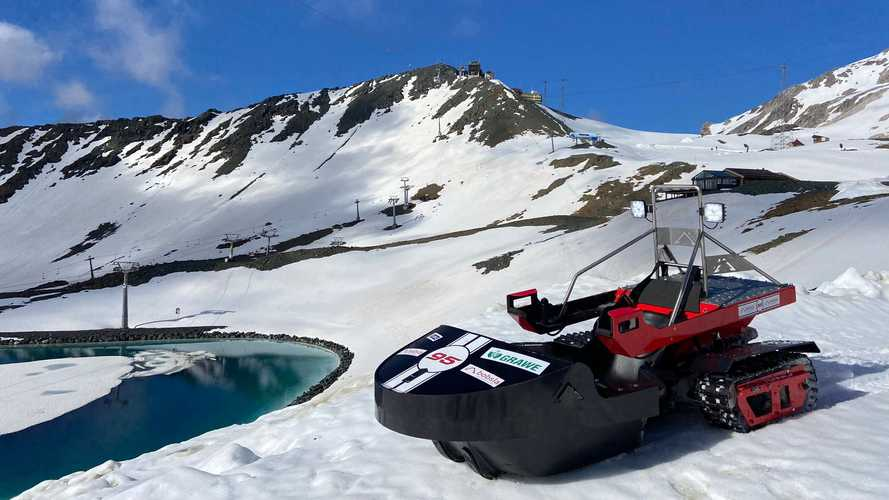Bobsla Replaces Snowmobiles And Combustion Engines With Electric Fun In The Snow