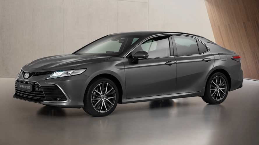 Toyota Camry gets fresh new face, updated infotainment in Europe