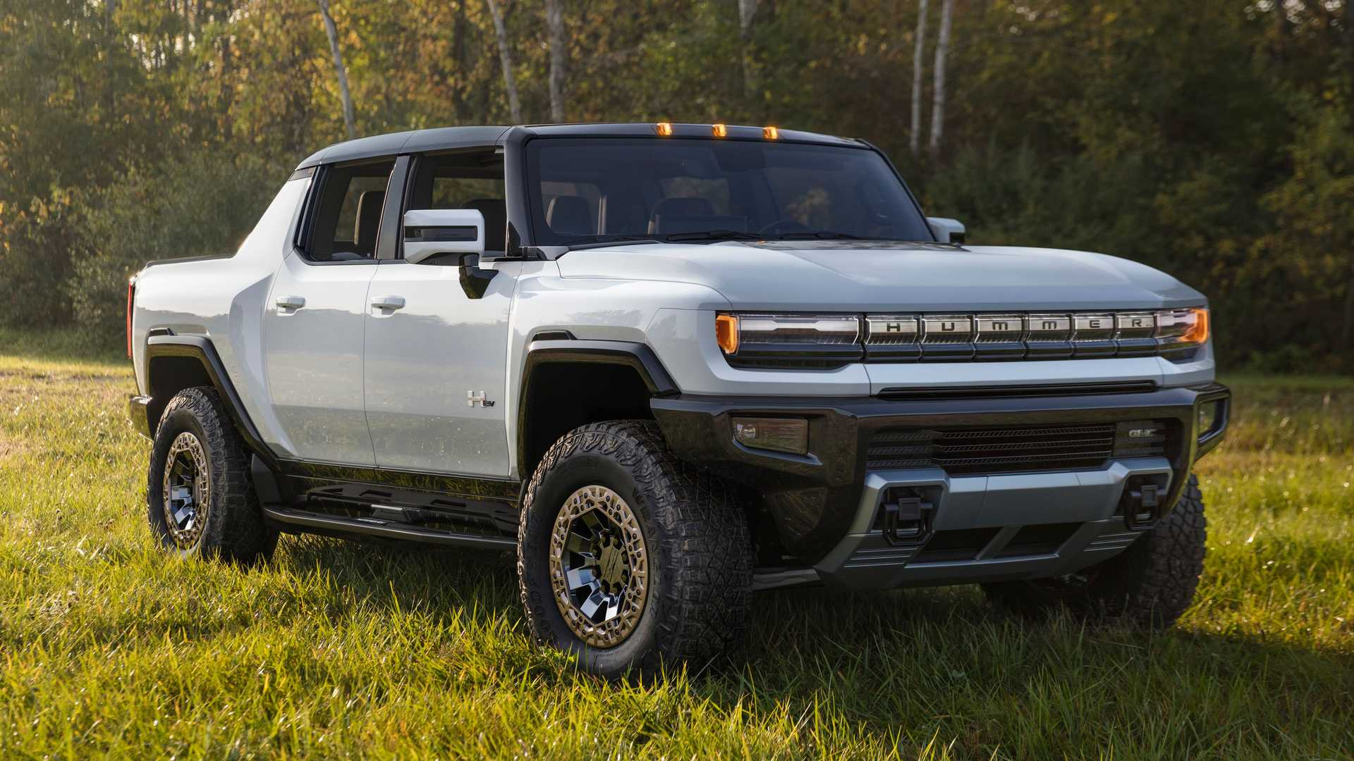 2022 GMC Hummer EV: Pics, Specs, Price, And More | Motor1.com
