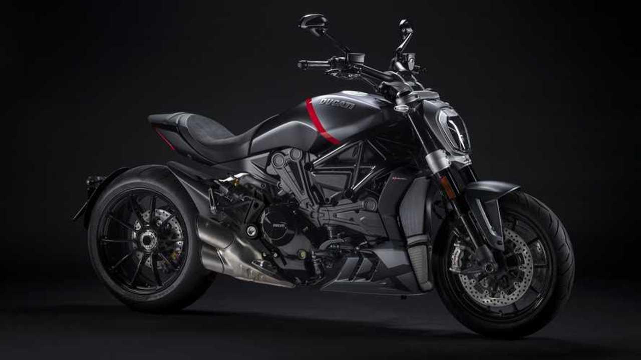 Ducati XDiavel Dark y Black Star 2021