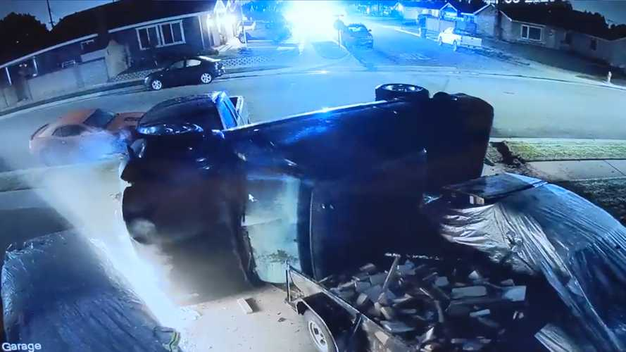 Man Loses Two Classic Mustangs When Police Chase Ends In His Driveway