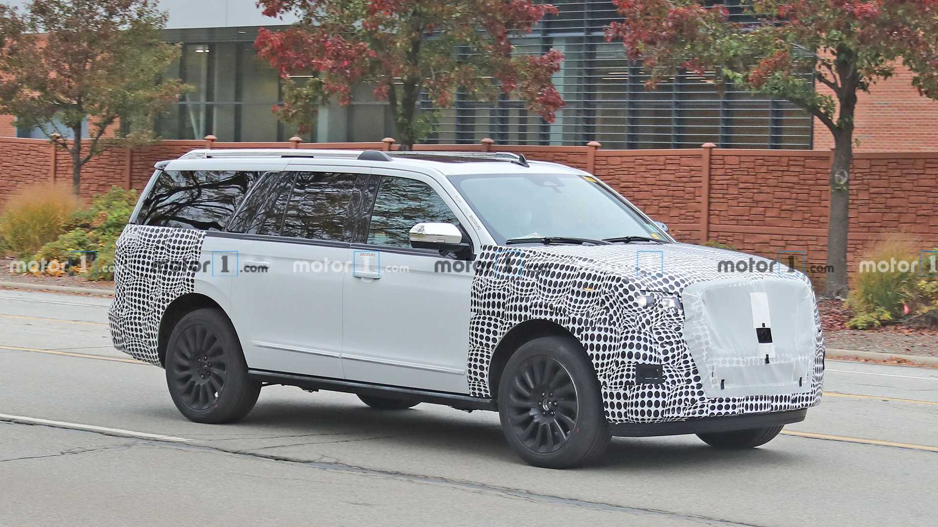 3 Lincoln Navigator Refresh Spied For The First Time