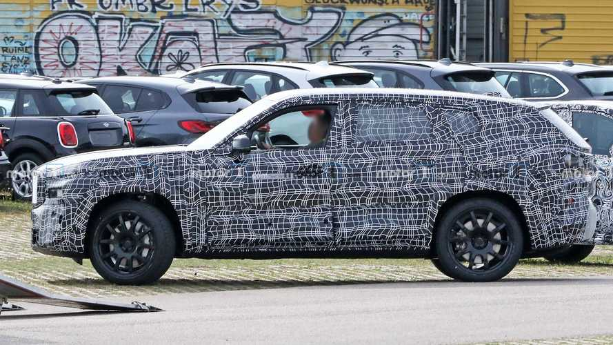 BMW X8  - Flagra