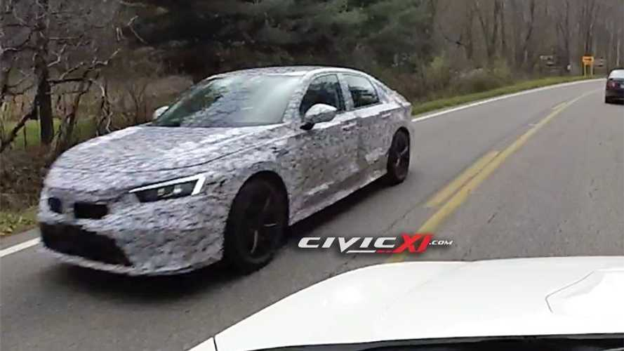 2021 Honda Civic Prototypes Spied Behind Previous-Gen Civic Si