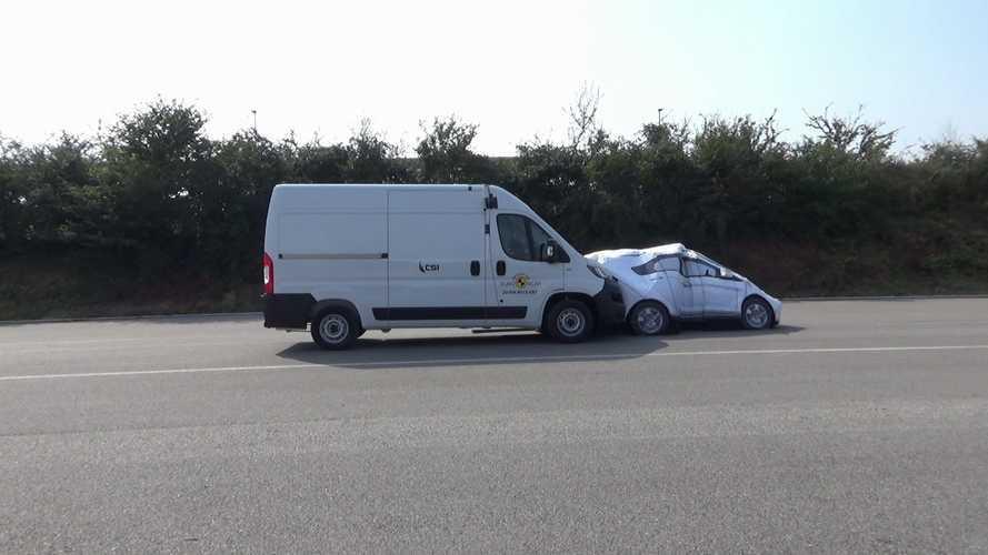 """Euro NCAP ticari minibüslerin çoğunu """"sınıfta bıraktı"""""""