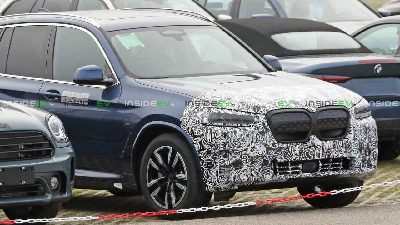 BMW iX3 LCI