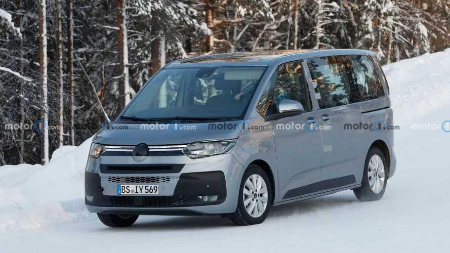 Volkswagen T7 Multivan 2021, primeras fotos espía en la nieve