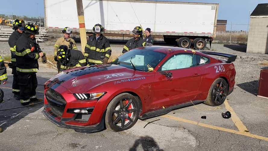 Fire Department Destroys 2020 Ford Shelby GT500 For Training Purposes