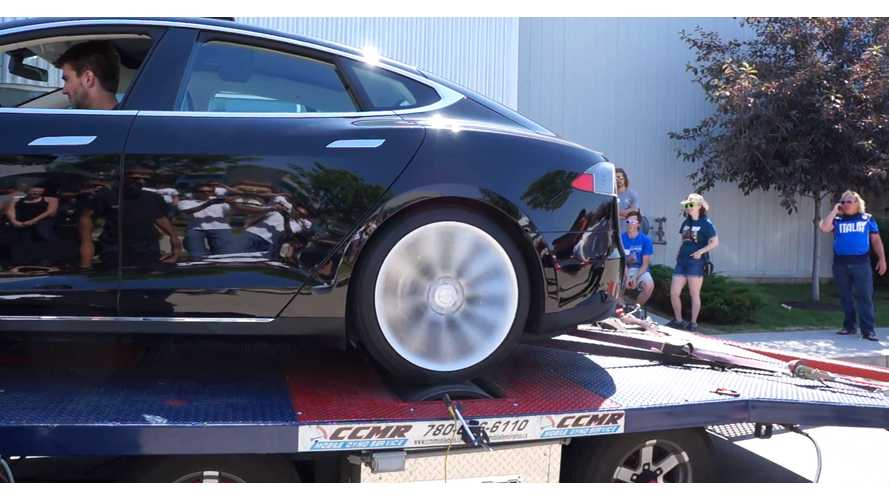 Tesla Model S P85 Hits The Dyno - Video