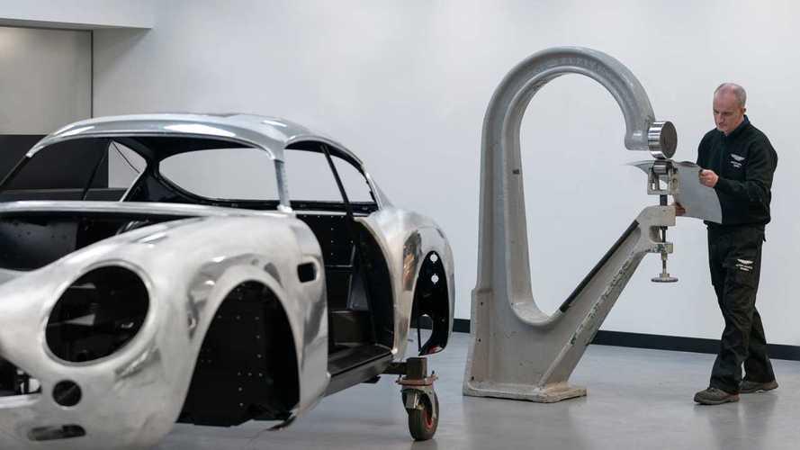 Aston Martin DB4 GT Zagato reactualizado