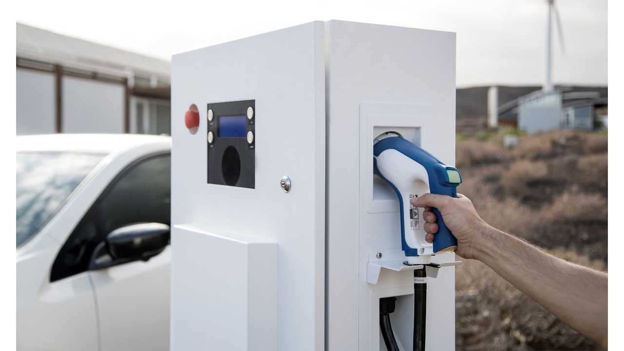 Former EPA Head Says Big Oil Is Peddling Misinformation About EVs