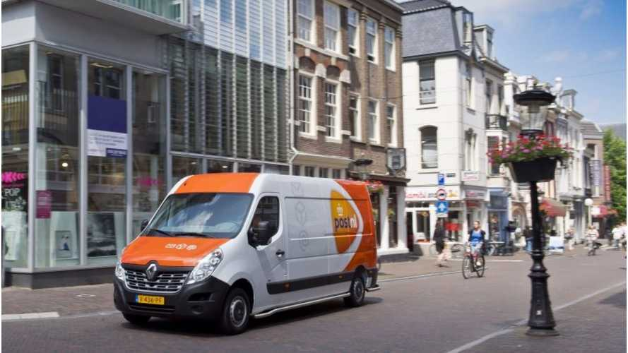 First Renault Master Z.E. In Europe Delivered To PostNL