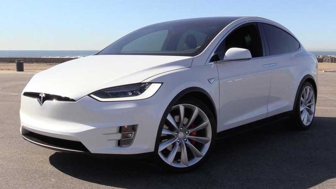 Tesla Software Update Enhances Falcon Wing Door Object Detection
