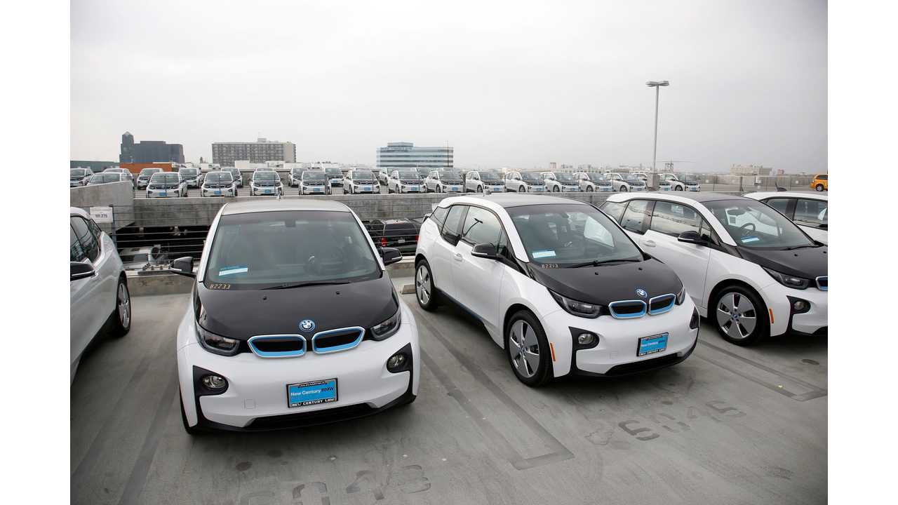 LAPD Hardly Using $10 Million Worth Of BMW i3 Police Cars - Video