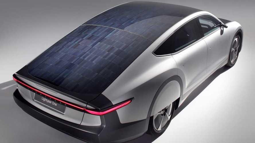 Auto elettriche, ecco l'alleanza per far decollare i tetti fotovoltaici