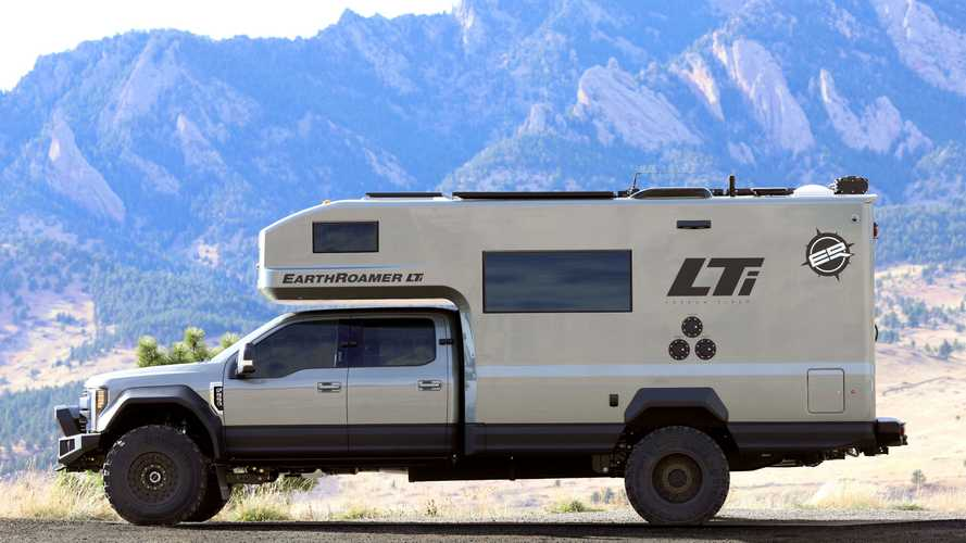 EarthRoamer presenta LTi Expedition Vehicle, il tronfo del carbonio