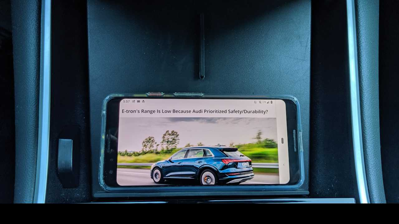 Product Review: Jeda Wireless Pad and USB Hub For Tesla Model 3