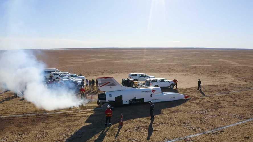 Videó: átlépte az 1000 km/órás határt a Bloodhound LSR
