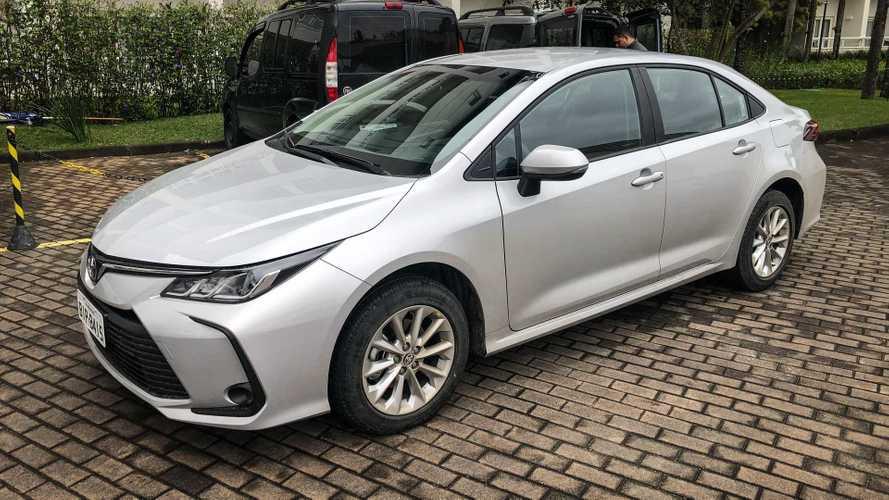 Toyota Corolla tem parcela de R$ 656 e três pagas pela marca em promoção