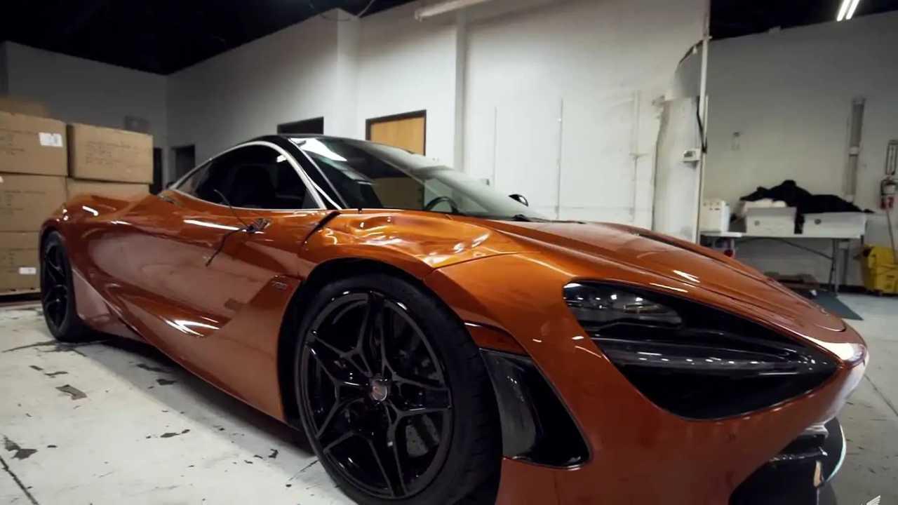 Összetört McLaren 720S