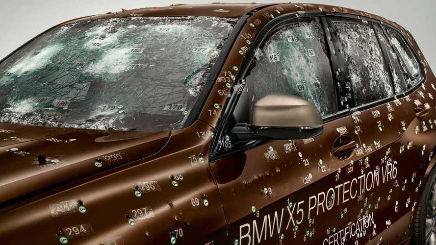 Szitává lőtt BMW X5 bizonyítja a páncélozott kivitel hatékonyságát