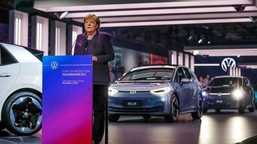 Volkswagen ID.3, per il via alla produzione c'è anche la Merkel