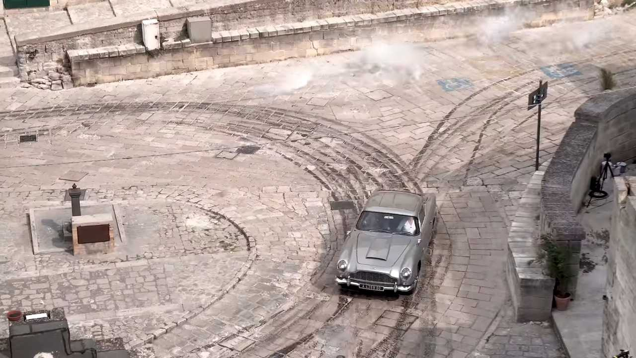 No Time To Die car chase filming screenshots